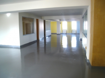 Self-Leveling-HOSPITAL-FLOORING-SYSTEM1hi